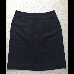 Banana Republic navy blue checkered skirt